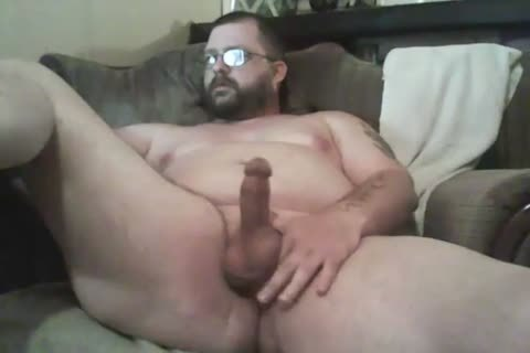 plump Lad Jacking Off