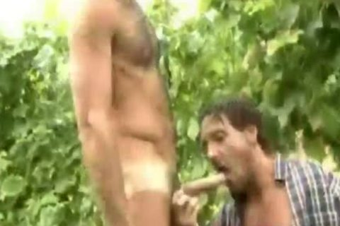 Two homosexual men In The Farm)