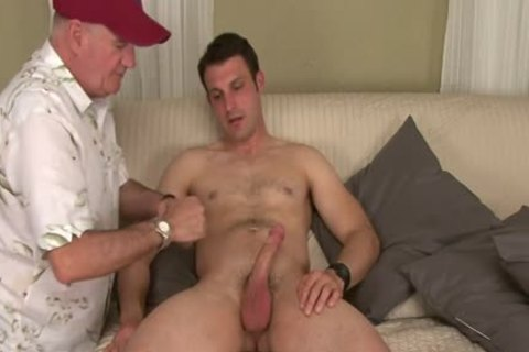 Straight Hunk Tricked Into Surprise oral sex job During audition