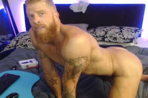 Straight Ginger webcam stud