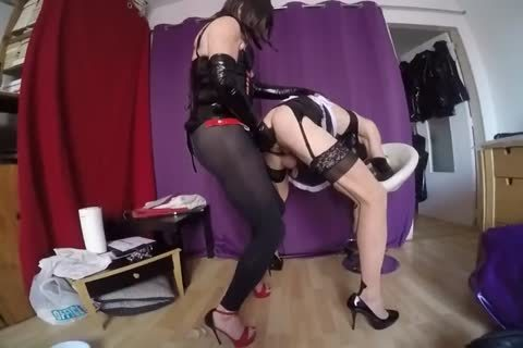 giant sex dildo And Tunel Plug For A hooker