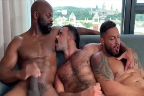 I'm A Fan Of His Way Of sucking And Being Bottom: Damn So tasty three-some